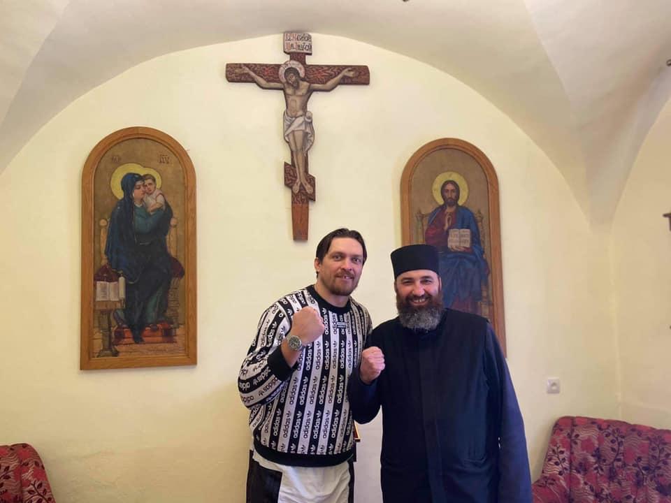 https://lviv.vgorode.ua/img/forall/u/1218/14/159922370_3853330098087134_5764887965028397617_n.jpg