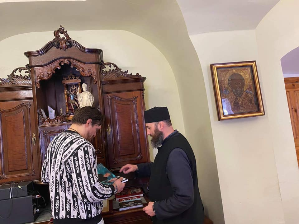 https://lviv.vgorode.ua/img/forall/u/1218/14/160274456_3853330211420456_7271826119593953647_n.jpg